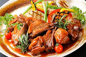 ●6月の姫蛍はジューシーな「スペアリブのオーブン焼」が登場!●