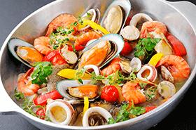 ●6月の姫蛍は、海の恵みと旨味を堪能できる「魚介のアクアパッツァ」が登場!●